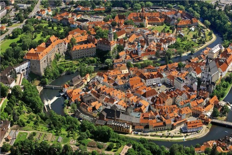 Чески Крумлов: замок над излучиной