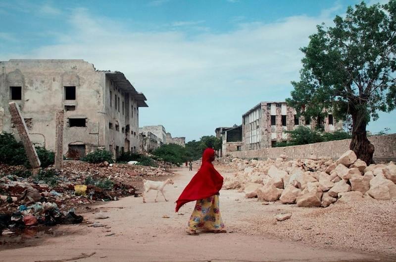 И если проехать пару сотен метров Могадишо, жители Сомали, сомали