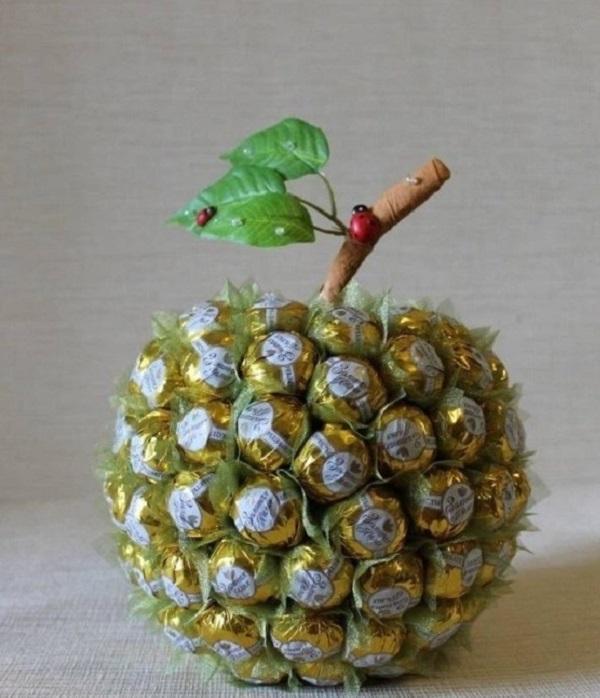 20 идей подарков из конфет!