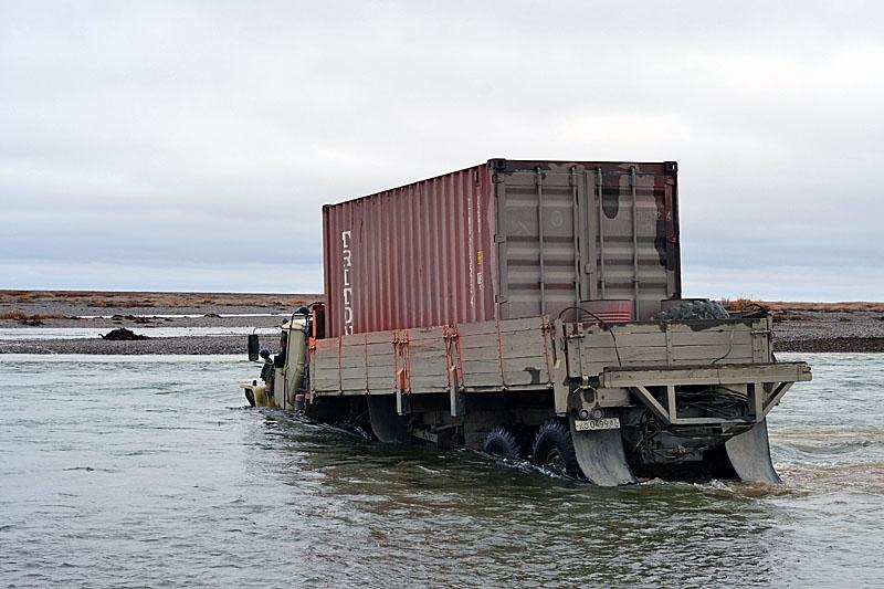 11136 Как вытаскивают утонувшие грузовики