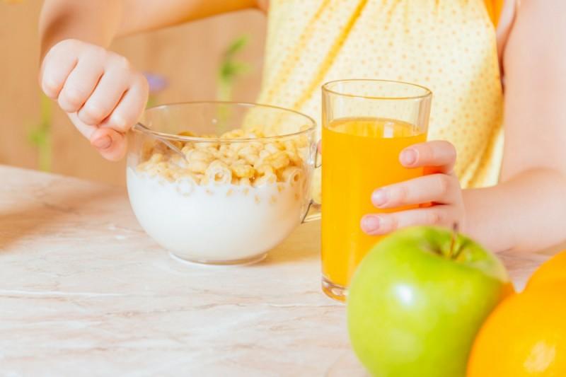 Что нельзя давать детям на завтрак