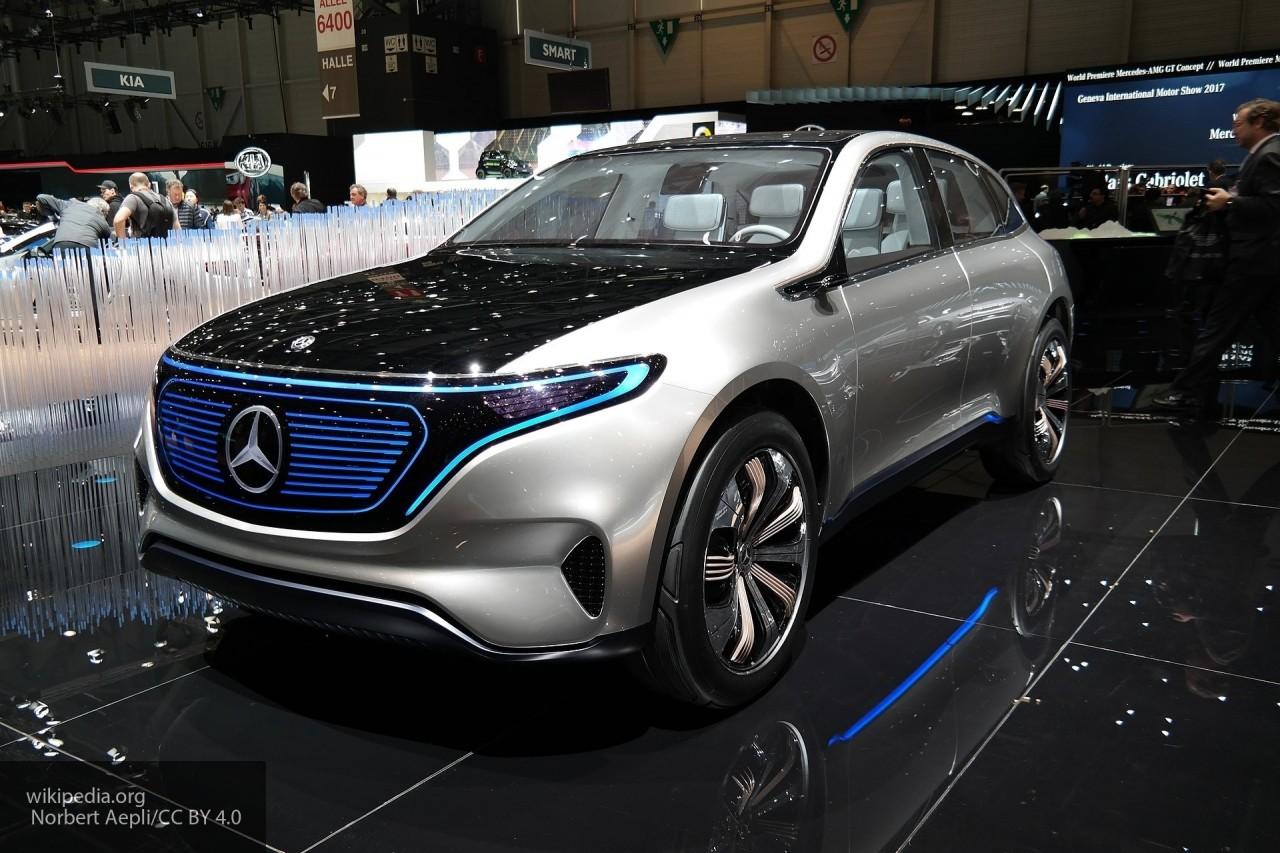 Электрический Mercedes EQ C был замечен в обновленном камуфляже