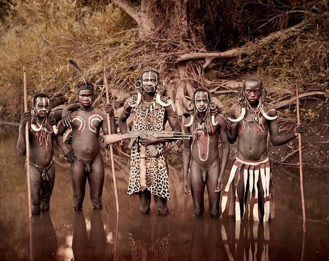 Самые нецивилизованные племена современности