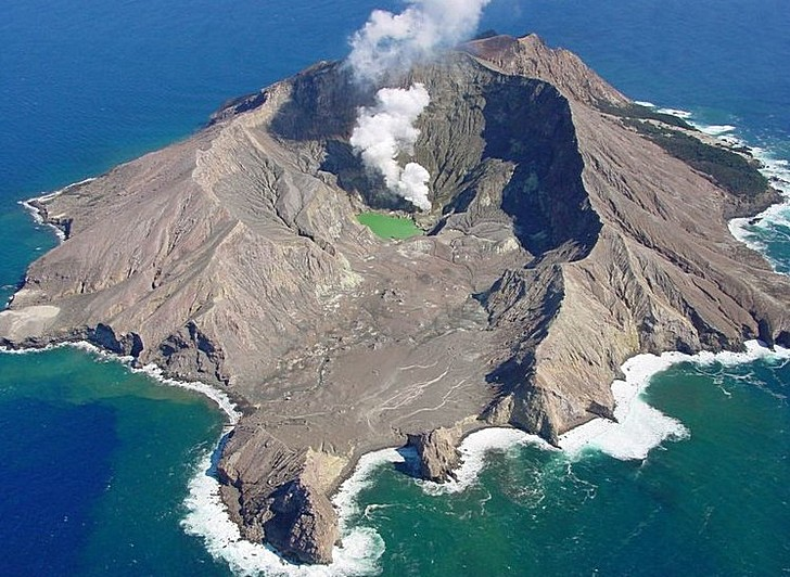 Вулкан Уайт-Айленд