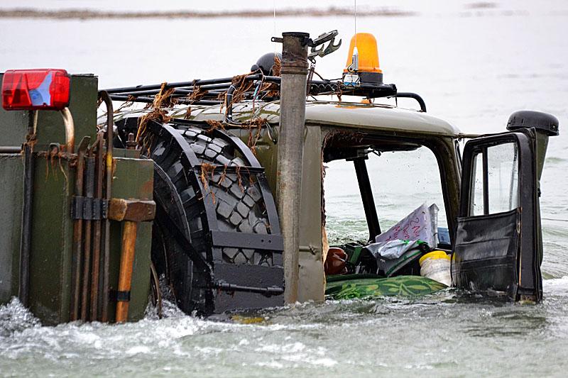 1309 Как вытаскивают утонувшие грузовики