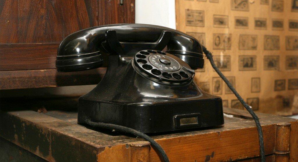 «Если требовали к телефону старшего по званию, бабушка с достоинством произносила: я здесь самая старшая!»