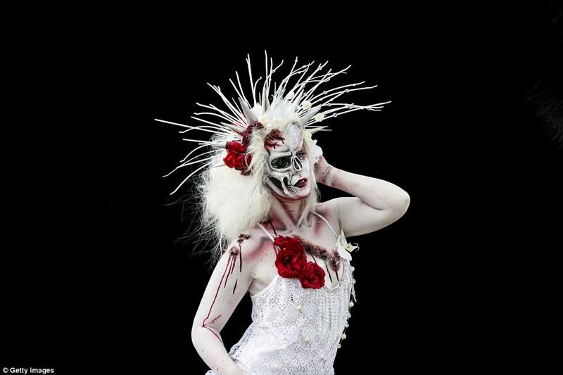 Фестиваль боди-арта порадовал зрителей необычными образами Фестиваль, боди-арт, в мире, краски, красота, люди, модели, тело