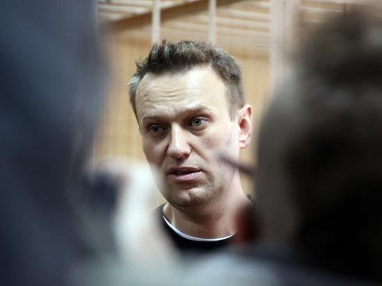 Навального увезли из ОВД на «скорой»