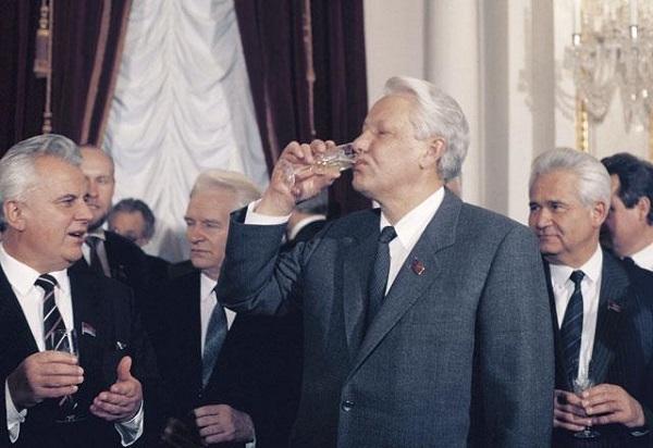 Главные обстоятельства, приведшие к развалу СССР