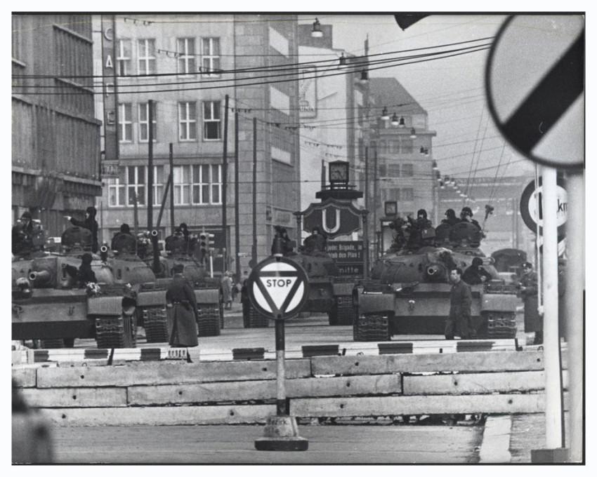 Позорная стена, или Кто и как разделил Берлин на две части