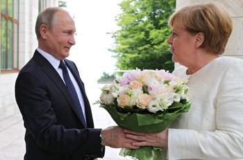 Путин и Меркель: новый роман?