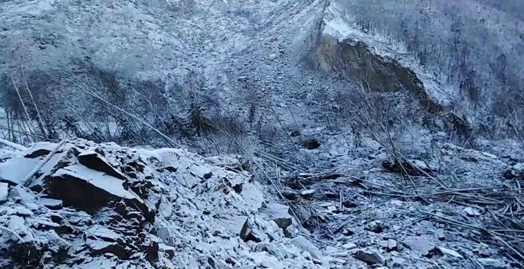 В Хабаровском крае нечто перекрыло реку Бурею