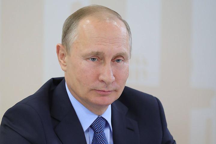 Путин про «умный» браслет: «Первая шкала это заряд, а вторая — стоимость?»