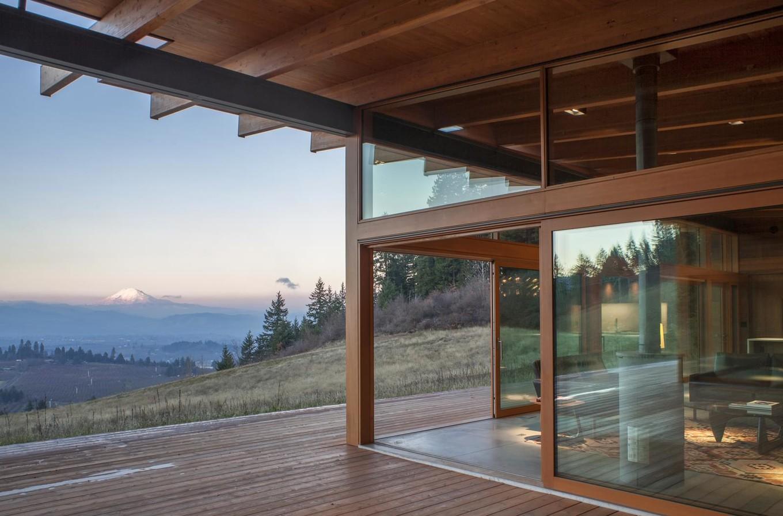 Интерьер дома на склоне потухшего вулкана