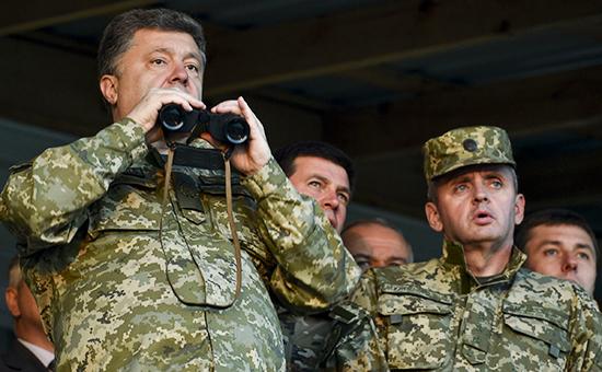 Порошенко рассказал о готовности 80% укреплений на границе с Россией
