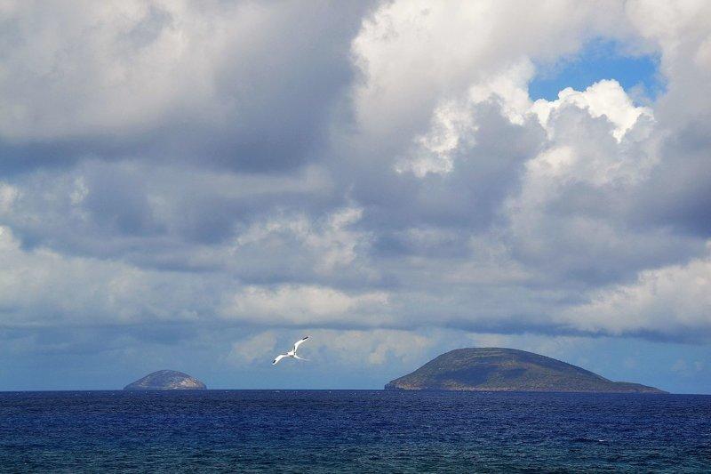 Обломки находятся в 16 км южнее острова Раунд, что на 22,5 км севернее Маврикия MH370, Malaysia Airlines, google earth, исчезновение, рейс 370, самолет, снимок
