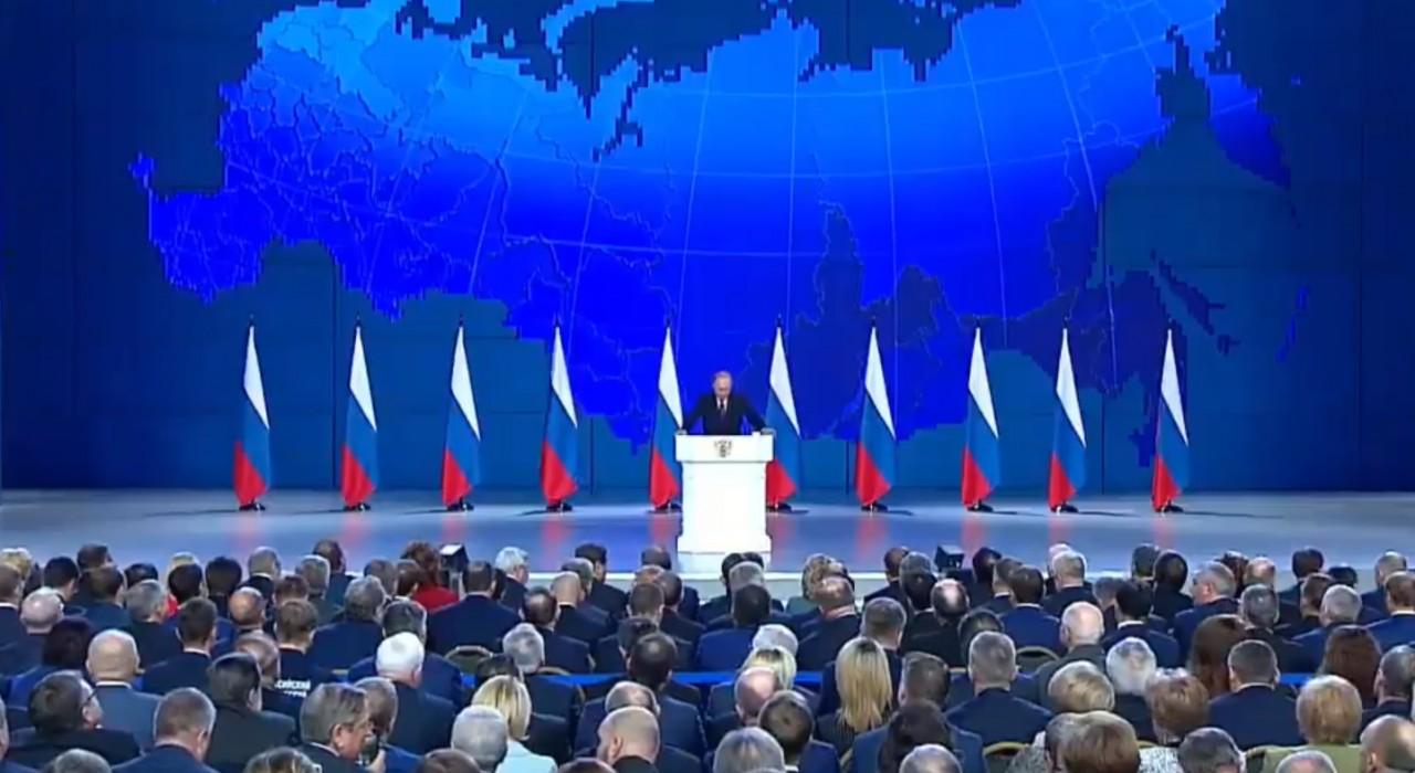 Владимир Путин призвал освободить застройщиков соцобъектов от НДС
