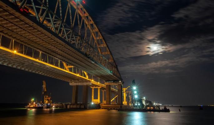 Что случилось с Крымским мостом