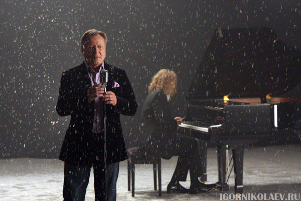 Сергей Шакуров и Игорь Николаев представили трогательную песню