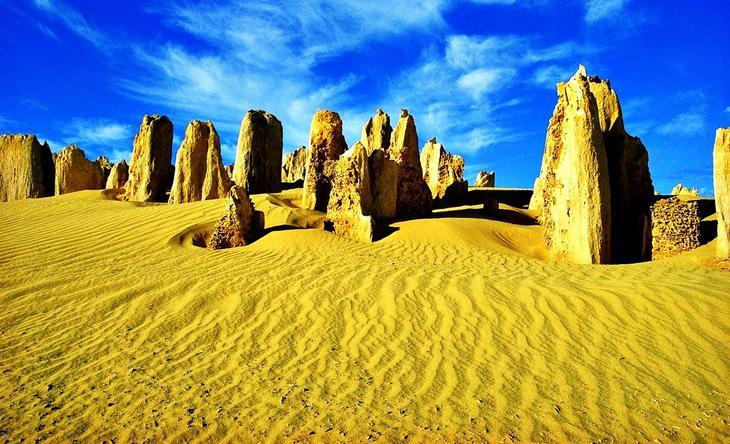 Пустыня башен Австралия. Жажда цветов и красок. 11 самых необычных и загадочных пустынь нашей планеты. Фото с сайта NewPix.ru