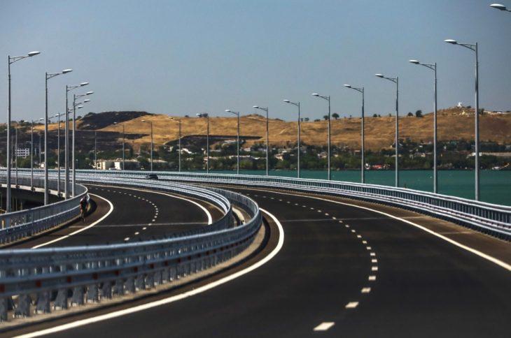 Почему Крымский мост неожиданно опустел