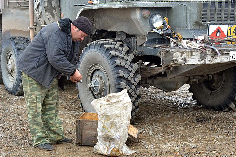 9102 Как вытаскивают утонувшие грузовики