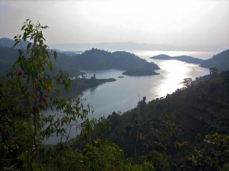 Озеро Манун (Камерун) наша планета, озера, самые опасные