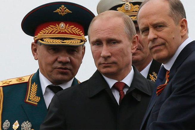 Путин – наш рулевой. Но кто рулит Путиным и выбирает курс страны?