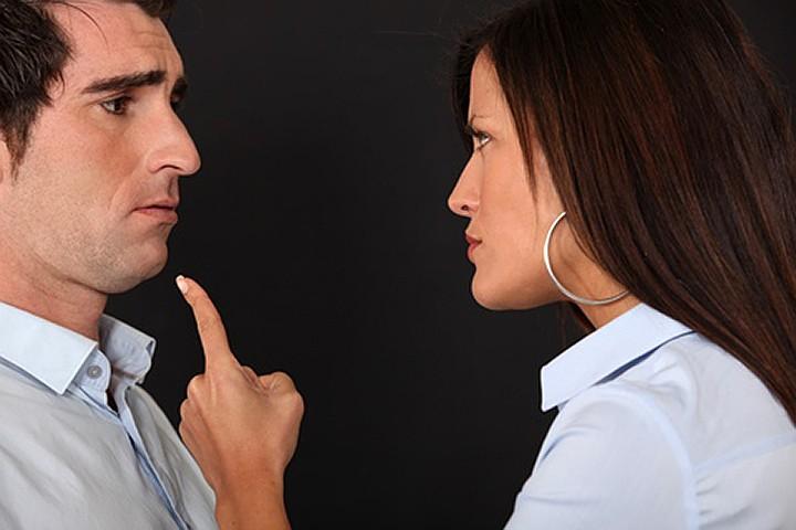 Демократы, в отличие от консерваторов, меньше склонны к супружеским изменам