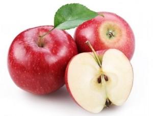 Спелые яблоки: мякоть кремовая, косточки коричневые