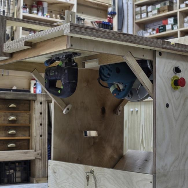 Портативный мультистанок (настольная циркулярная пила, фрезерный станок и лобзик) из фанеры своими руками  Полный проект, чертежи, видео
