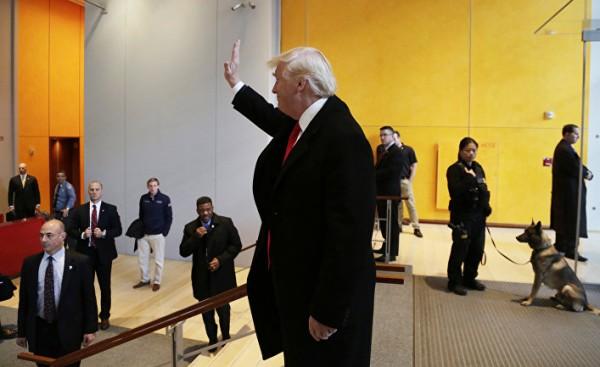 Трамп уводит Америку в «один…