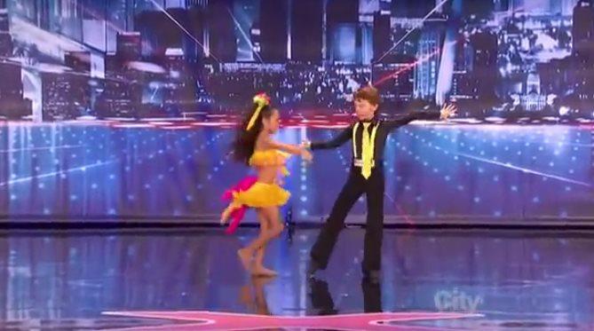Даниэла и Яша потрясающая пара танцоров!