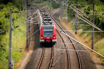 В Краснодарском крае  поезд столкнулся с трактором