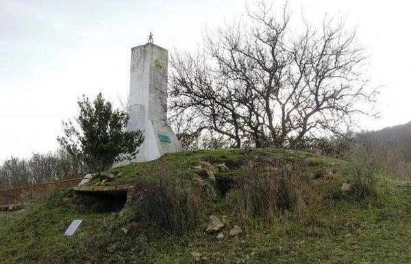 Памятник защитникам дзота №11