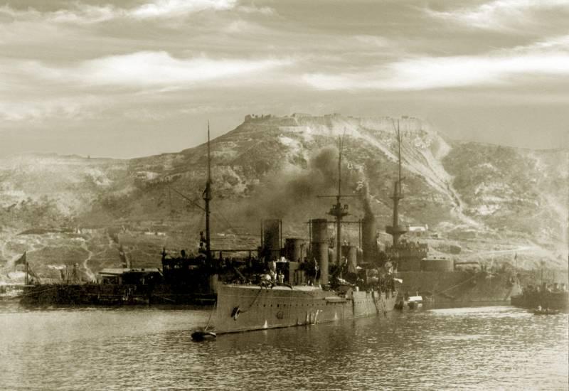 """Бронепалубная молния. Крейсер II ранга """"Новик"""". Новый командующий"""