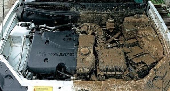Требуется ли мыть двигатель автомобиля?