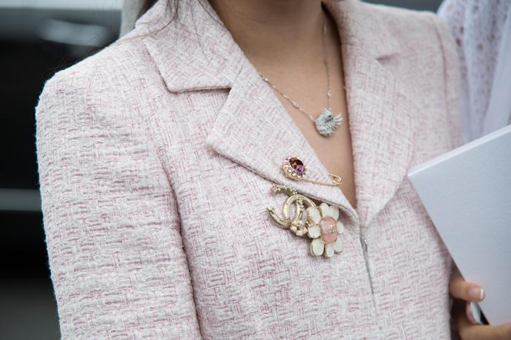 Возьми на заметку -- 10 способов носить брошь, которые тебя удивят