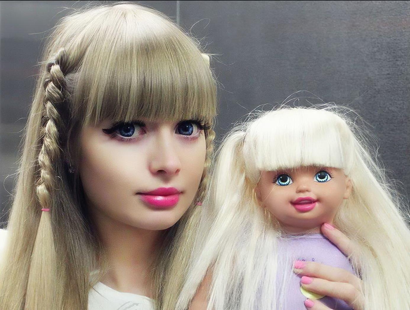 Родители сделали из дочери живую куклу. Русская Барби покоряет соцсети