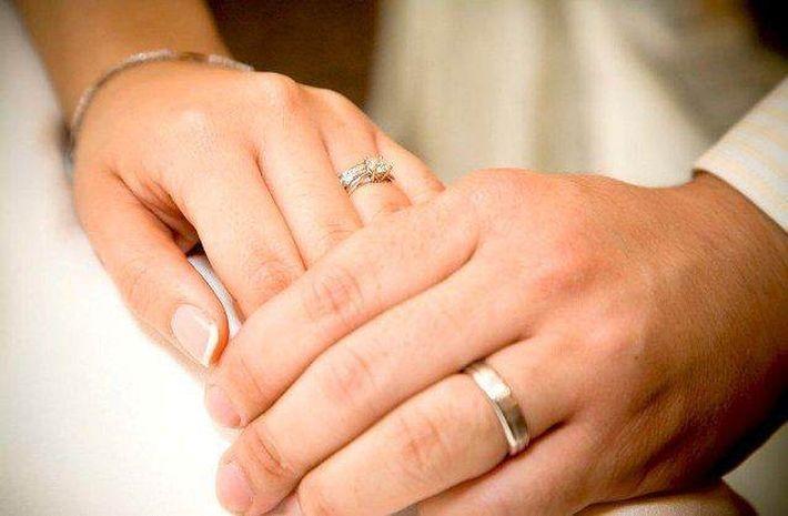10 вещей, которые не рекомендуется делать со своим обручальным кольцом