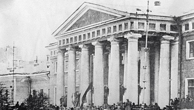 Сто лет назад в России расстреливали на улицах