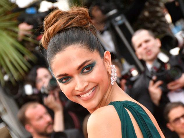 За голову болливудской актрисы назначили 1,5 миллиона долларов
