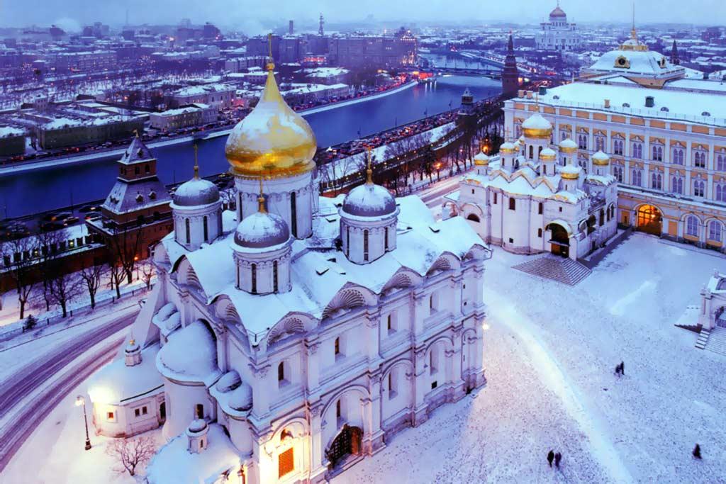 Картинки по запросу фото КРЕМЛЬ успенский собор зимой