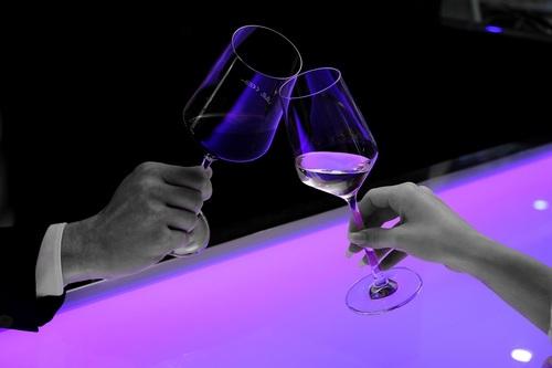 Нарколог: Употребляющих алкоголь россиян стало уменьшаться