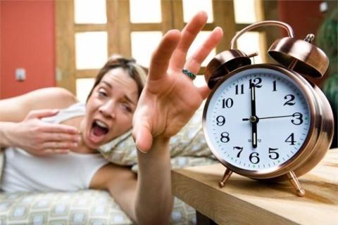 Американские ученые назвали самые опасные утренние привычки