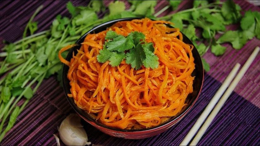 Популярная корейская морковь: еще один рецепт в вашу копилку