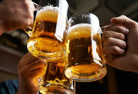 Почему мужчинам вредно пить пиво