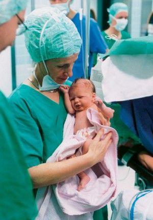 Раскрыто, что ждёт детей, родившихся с помощью кесаревого сечения