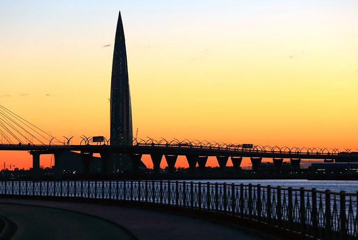 """Золотая кукуруза: Небоскреб """"Газпрома"""" в Петербурге обошел по стоимости самое высокое здание в мире"""