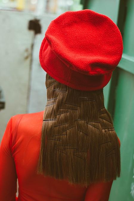 Волосы под контролем.